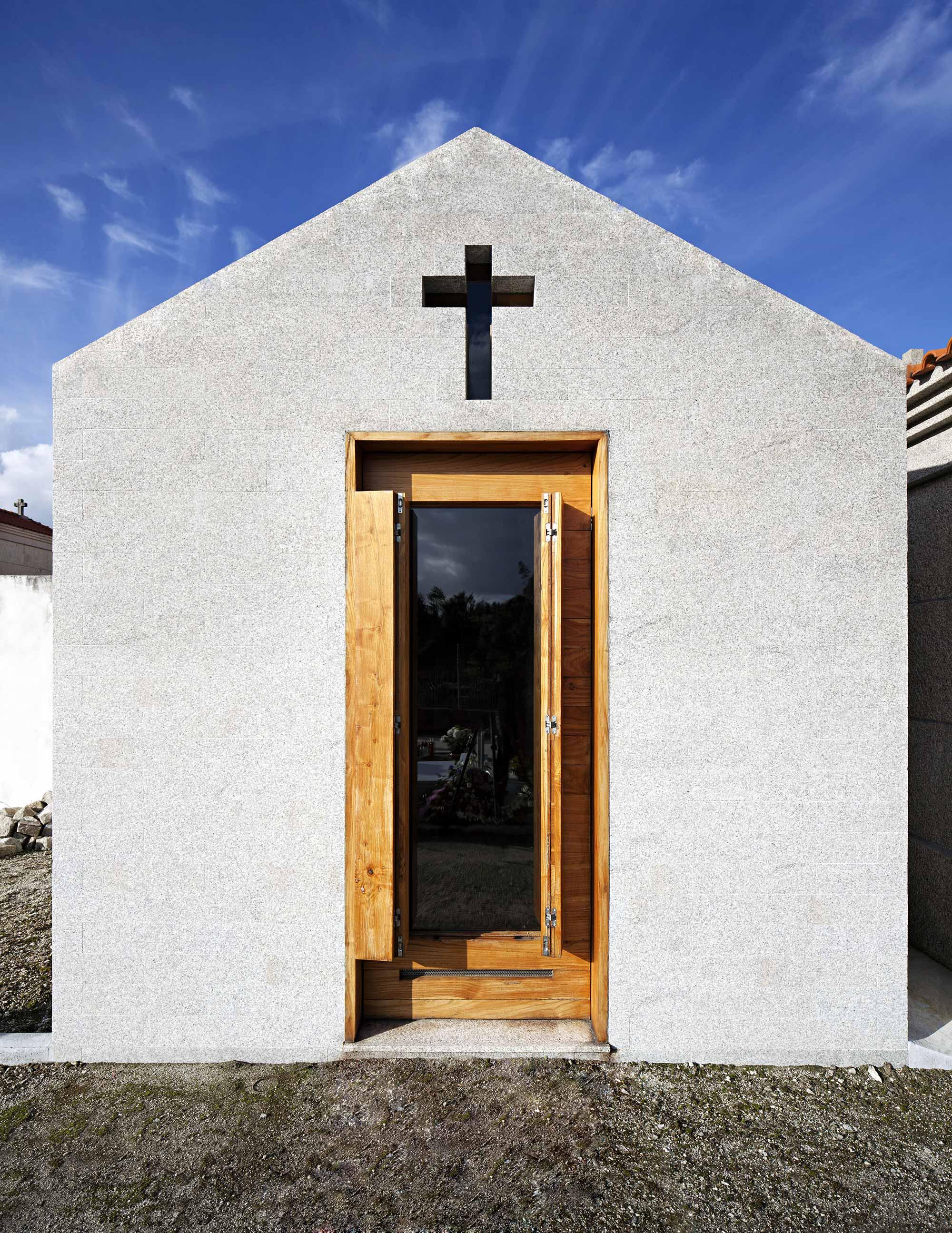 Chapel |es1arq| Amarante